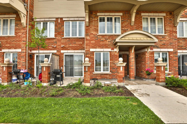 2500 Post Rd, Oakville