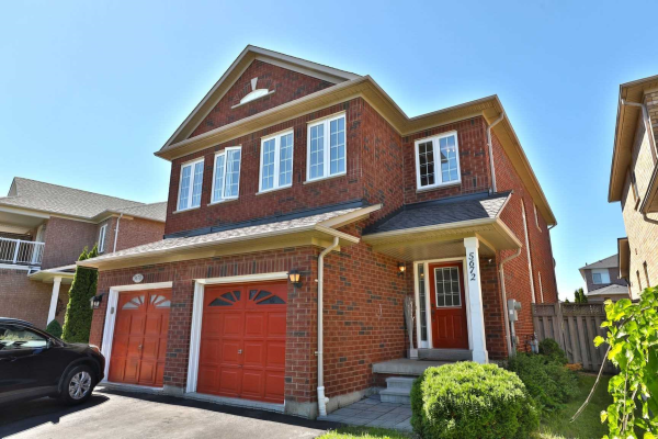 5672 Raleigh St, Mississauga