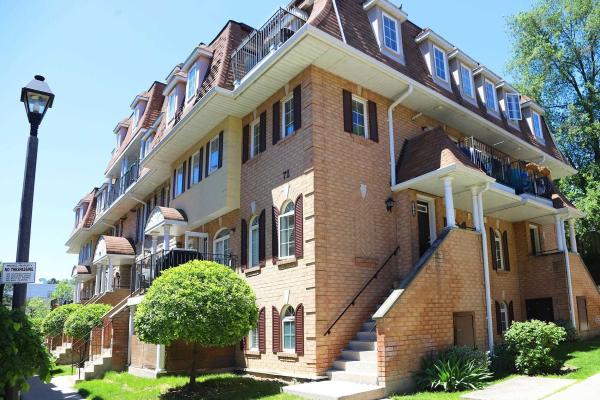 72 Sidney Belsey Cres, Toronto