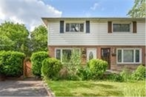 2433 Barclay Rd, Burlington