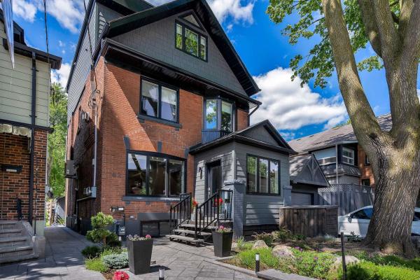 62 Garden Ave, Toronto