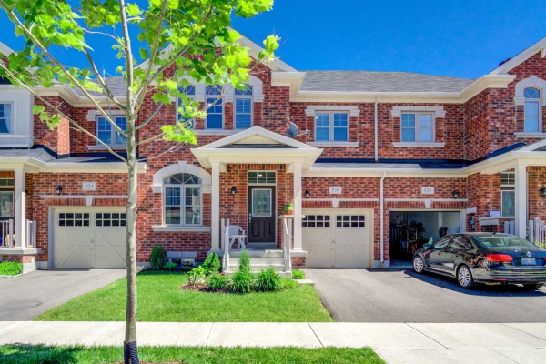526 Terrace Way, Oakville