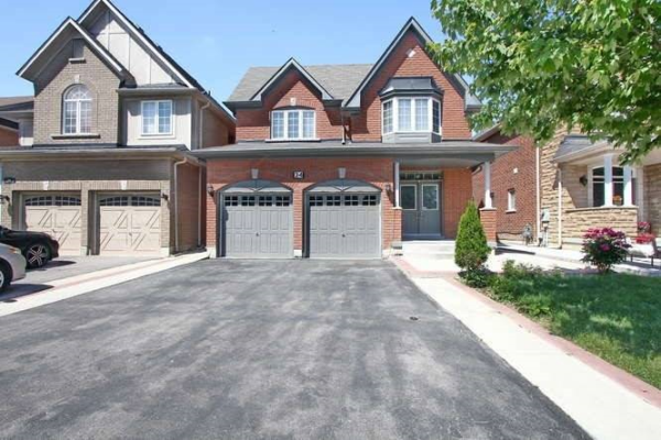 34 Long Meadow Rd, Brampton