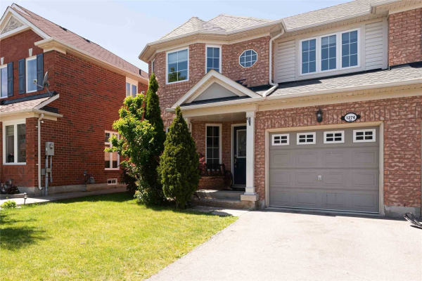 1274 Robson Cres