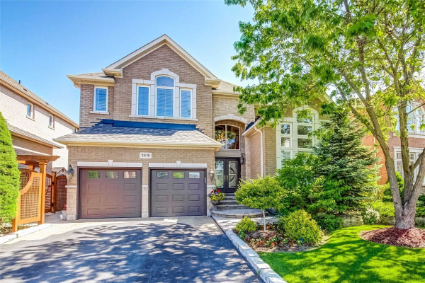 2518 Hertfordshire Way, Oakville