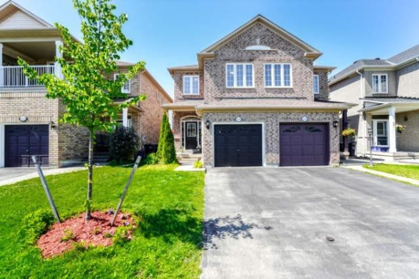 5646 Raleigh St, Mississauga