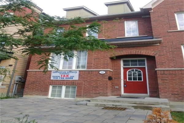 237 Assiniboine Rd, Toronto