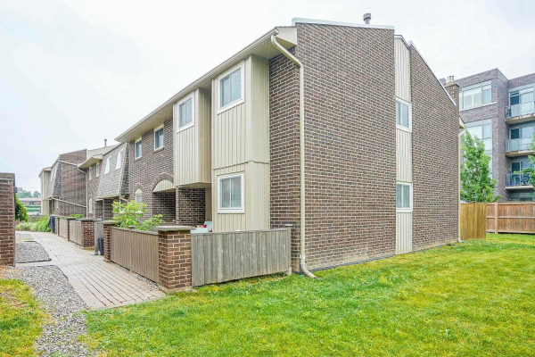 1294 Guelph Line W, Burlington