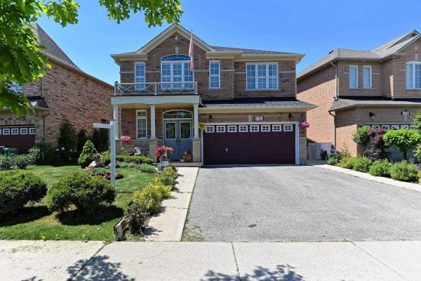 132 Fairwood Circ, Brampton