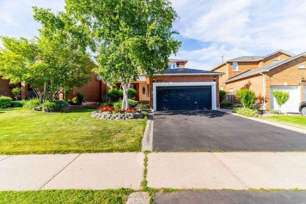 2059 Golden Briar Lane, Oakville