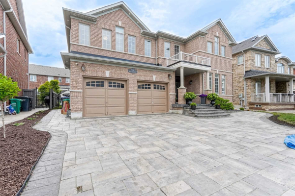 54 Mount Royal Circ, Brampton