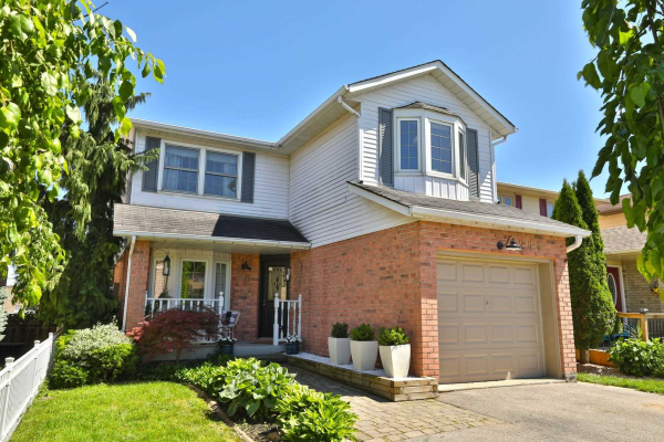 3502 Ketelbey Crt, Burlington