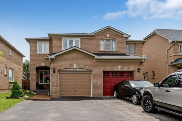 15 Morningmist St, Brampton
