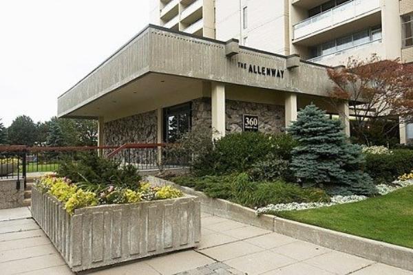 360 Ridelle Ave, Toronto