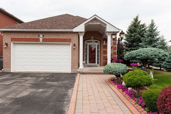 5677 Sidmouth St, Mississauga