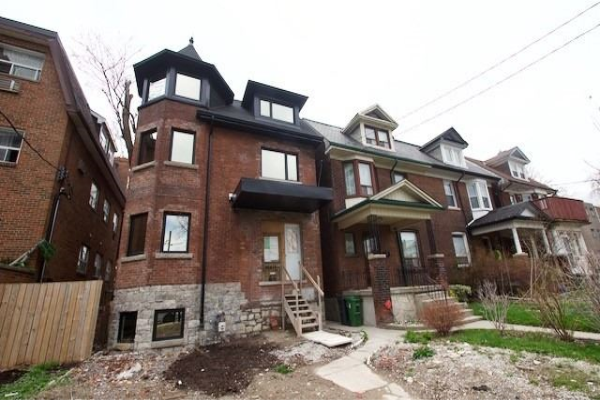 66 Triller Ave, Toronto