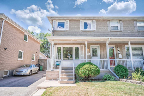 36 Corby Cres