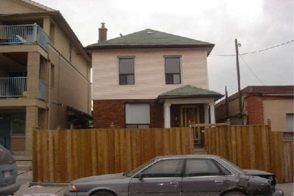 1 Carling Ave, Toronto