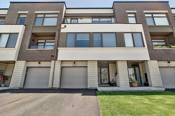 242 Wheat Boom Dr, Oakville