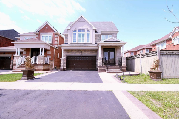 220 Castle Oaks Crossing, Brampton