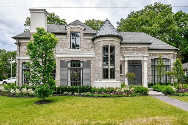 421 Wedgewood Dr, Oakville