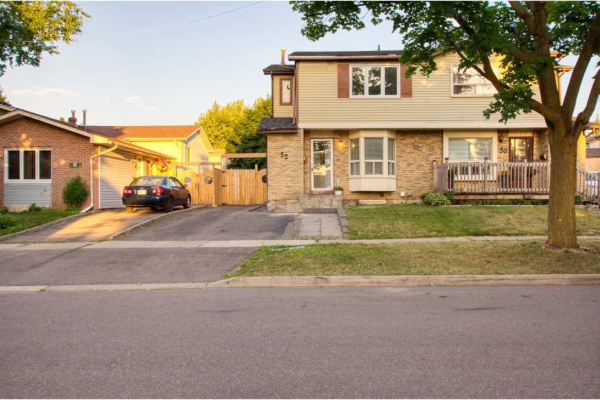 52 Carberry Cres, Brampton