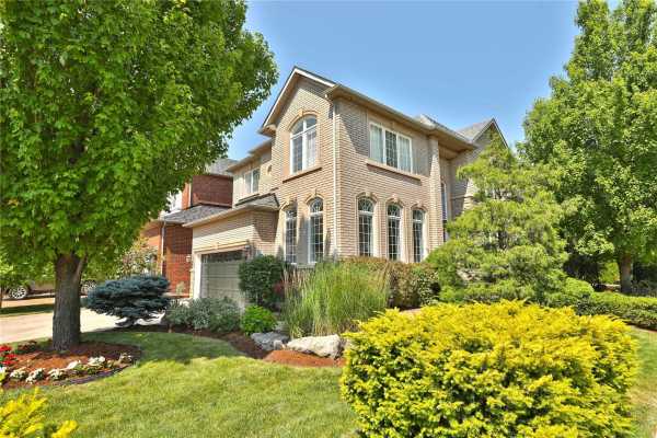 2240 North Ridge Tr, Oakville