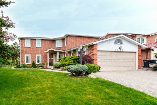 1723 Bough Beeches Blvd, Mississauga