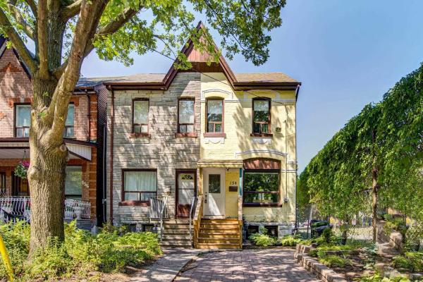154 West Lodge Ave, Toronto