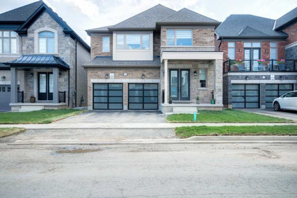 1340 Clarriage Crt, Milton