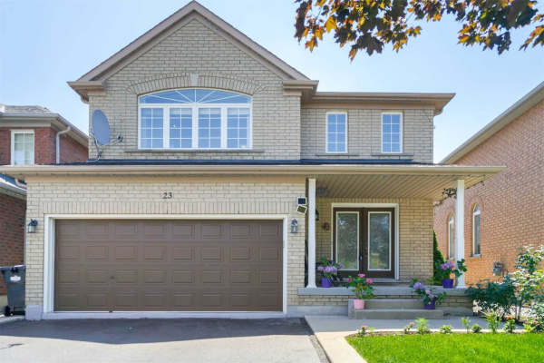 23 Queen Mary Dr, Brampton