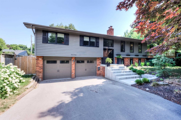 3536 Ravenswood Crt, Burlington