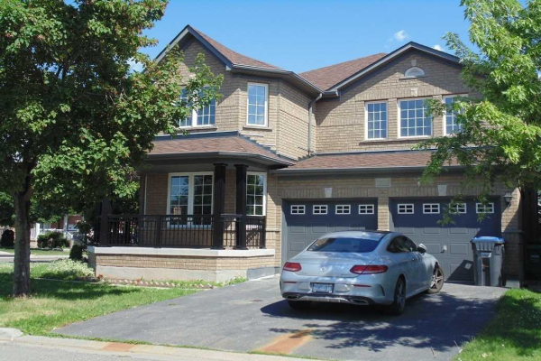 100 Worthington Ave, Brampton