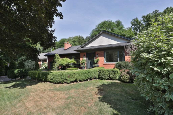 426 River Side Dr, Oakville