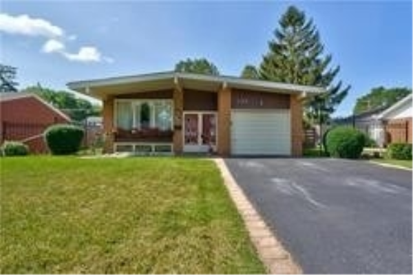 192 White Pines Dr, Burlington