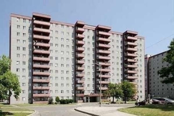 100 Lotherton Ptwy, Toronto