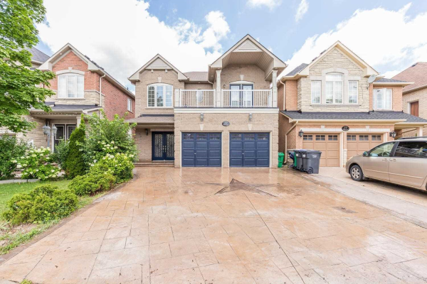 35 Oblate Cres, Brampton
