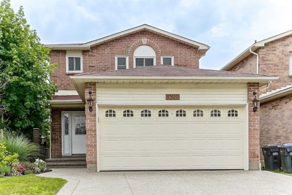528 Bluesky Cres, Mississauga