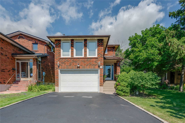 133 Chalfield Lane, Mississauga