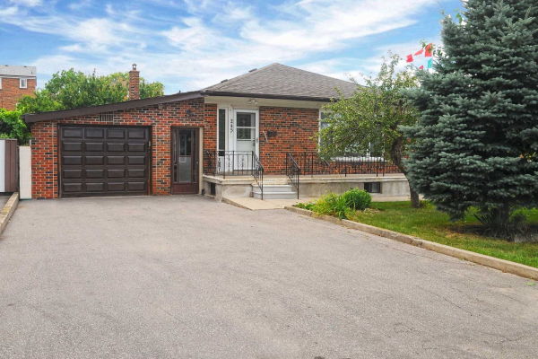 245 Epsom Downs Dr, Toronto