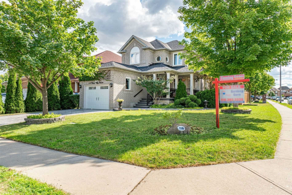 110 Narrow Valley Cres, Brampton