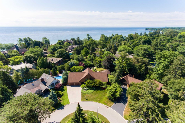 2222 Bennington Gate, Oakville