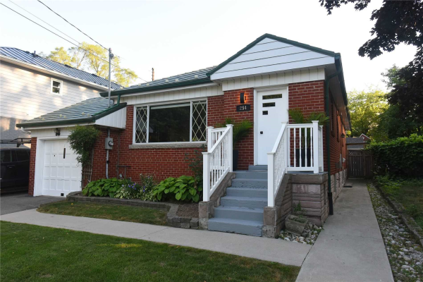 254 Queen Mary Dr, Oakville