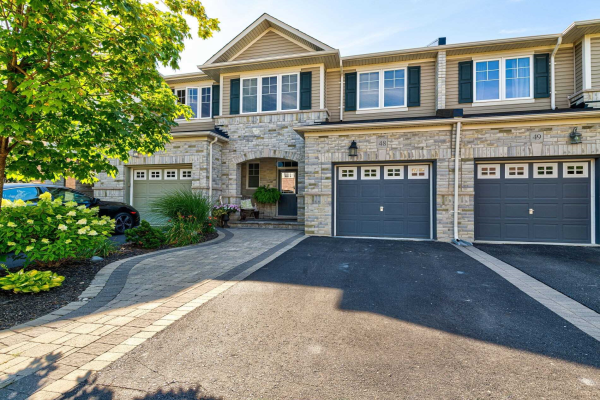 2019 Trawden Way, Oakville