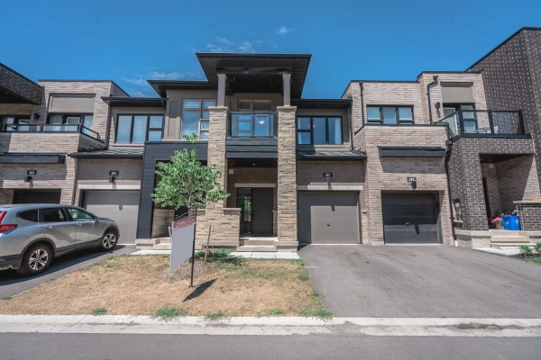 387 Athabasca Common, Oakville