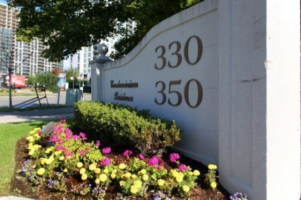 330 Rathburn Rd W, Mississauga