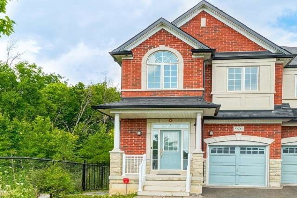 5609 Meadowcrest Ave, Mississauga