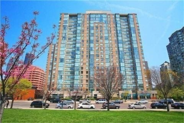 285 Enfield Pl, Mississauga
