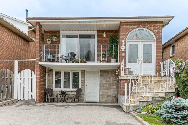 935 Lovingston Cres, Mississauga