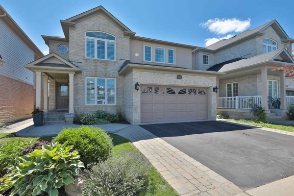 1016 Vickerman Way, Milton